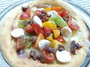 『カラフルミニトマトピザ』