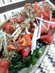 中華風トマトわかめサラダ